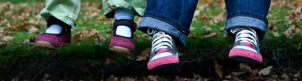 kids feet_banner